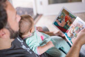 Pandeminiai kūdikiai: kaip karantinas veikia jų raidą?