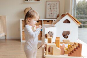 Žaidimėliai, kurie tinkami žaisti su 12–18 mėnesių vaiku
