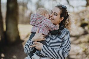 8 idėjos kaip tinkamai pasirūpinti savimi po gimdymo